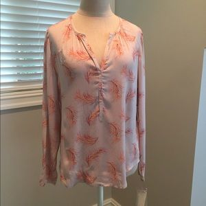 Hinge blouse size small